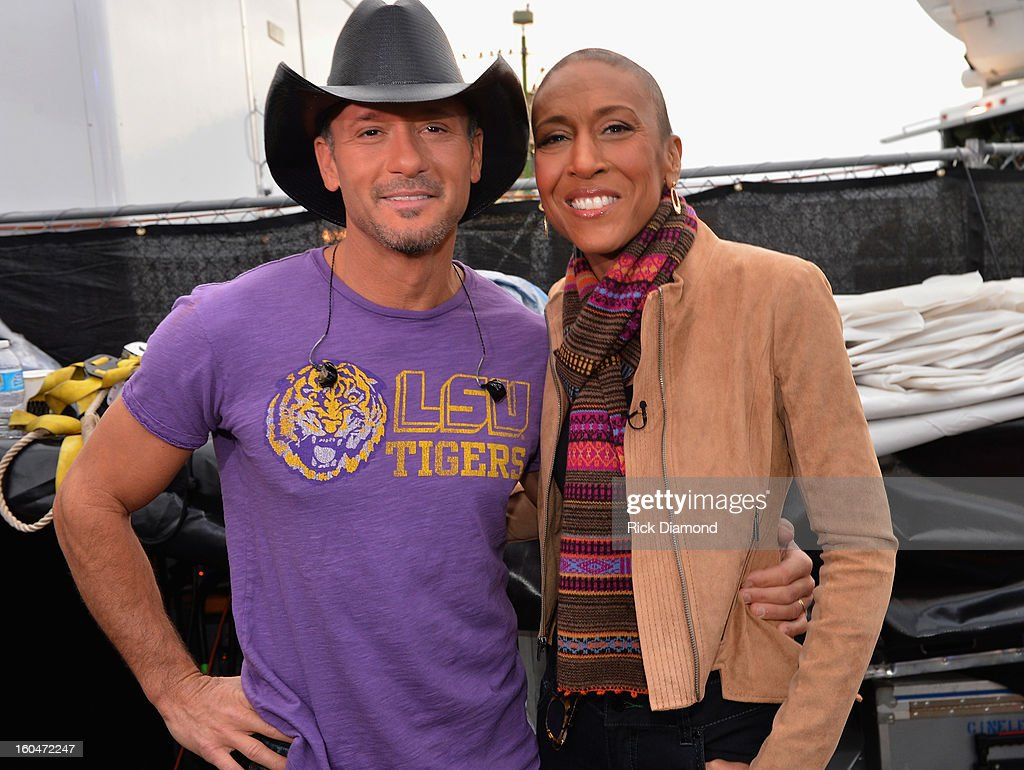 Tim McGraw and 'Good Morning America' anchor <a gi-track='captionPersonalityLinkClicked' href=/galleries/search?phrase=Robin+Roberts+-+Presentador+de+televisi%C3%B3n&family=editorial&specificpeople=4439371 ng-click='$event.stopPropagation()'>Robin Roberts</a> on ABC's 'Good Morning America' at the House of Blues on February 1, 2013 in New Orleans, Louisiana.