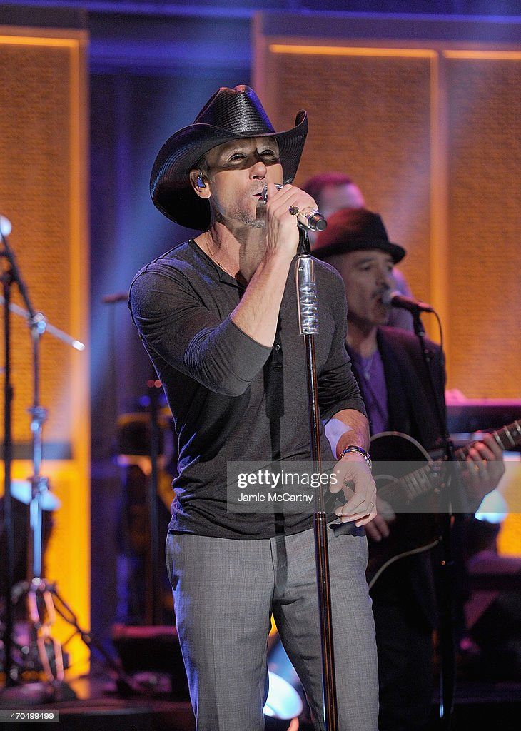 Tim McGraw performs 'The Tonight Show Starring Jimmy Fallon' at Rockefeller Center on February 19, 2014 in New York City.
