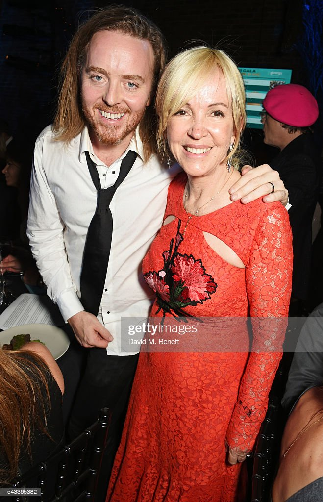 <a gi-track='captionPersonalityLinkClicked' href=/galleries/search?phrase=Tim+Minchin&family=editorial&specificpeople=2244352 ng-click='$event.stopPropagation()'>Tim Minchin</a> (L) and Old Vic CEO Sally Greene attend the Summer Gala for The Old Vic at The Brewery on June 27, 2016 in London, England.