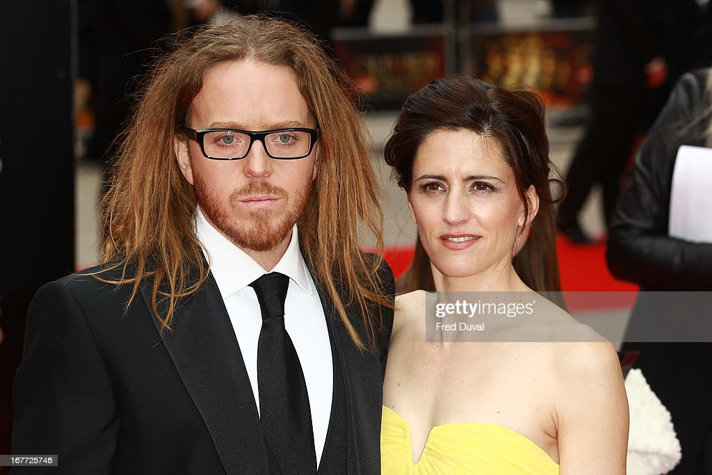<a gi-track='captionPersonalityLinkClicked' href=/galleries/search?phrase=Tim+Minchin&family=editorial&specificpeople=2244352 ng-click='$event.stopPropagation()'>Tim Minchin</a> and Sarah Minchin attend The Laurence Olivier Awards at The Royal Opera House on April 28, 2013 in London, England.