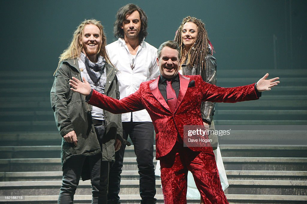 <a gi-track='captionPersonalityLinkClicked' href=/galleries/search?phrase=Tim+Minchin&family=editorial&specificpeople=2244352 ng-click='$event.stopPropagation()'>Tim Minchin</a>, Ben Forster, <a gi-track='captionPersonalityLinkClicked' href=/galleries/search?phrase=Chris+Moyles&family=editorial&specificpeople=220407 ng-click='$event.stopPropagation()'>Chris Moyles</a> and Melanie C attend a photocall for Jesus Christ Superstar at LH2 Studios on September 17, 2012 in London, England.