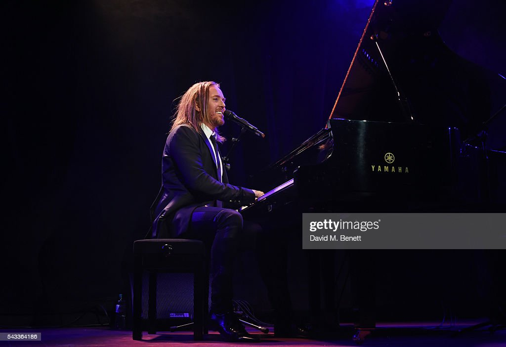 <a gi-track='captionPersonalityLinkClicked' href=/galleries/search?phrase=Tim+Minchin&family=editorial&specificpeople=2244352 ng-click='$event.stopPropagation()'>Tim Minchin</a> performs at the Summer Gala for The Old Vic at The Brewery on June 27, 2016 in London, England.