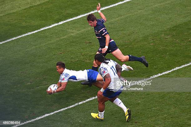 Tim NanaiWilliams of Samoa goes over to score his teams opening try during the 2015 Rugby World Cup Pool B match between Samoa and USA at Brighton...