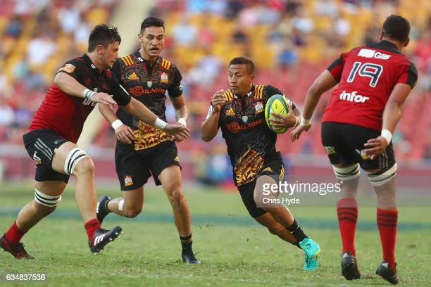 Tim NanaiWilliams of the Chiefs runs the ball during the Rugby Global Tens Final match between Chiefs and Crusaders at Suncorp Stadium on February 12...