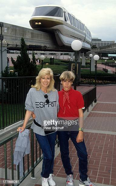 Tim Oliver KrügerBockelmann Christiane Krüger Einschienenbahn Miami Florida USA Amerika Zug Mutter Kind Schauspielerin PH/PH