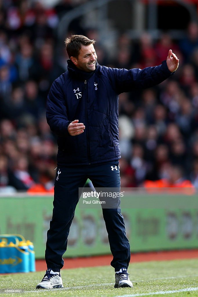 <a gi-track='captionPersonalityLinkClicked' href=/galleries/search?phrase=Tim+Sherwood&family=editorial&specificpeople=4503354 ng-click='$event.stopPropagation()'>Tim Sherwood</a> the Spurs interim manager directs his players during the Barclays Premier League match between Southampton and Tottenham Hotspur at St Mary's Stadium on December 22, 2013 in Southampton, England.