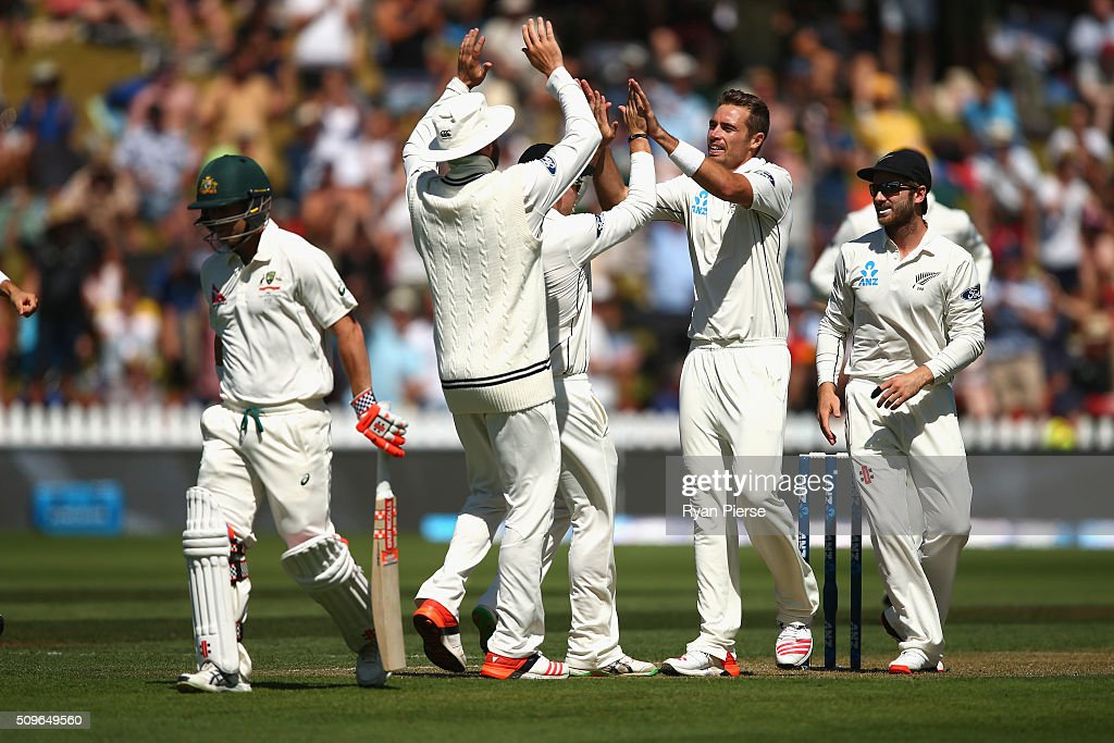 <a gi-track='captionPersonalityLinkClicked' href=/galleries/search?phrase=Tim+Southee&family=editorial&specificpeople=4205733 ng-click='$event.stopPropagation()'>Tim Southee</a> of New Zealand celebrates after taking the wicket of <a gi-track='captionPersonalityLinkClicked' href=/galleries/search?phrase=David+Warner+-+Cricketspelare&family=editorial&specificpeople=4262255 ng-click='$event.stopPropagation()'>David Warner</a> of Australia during day one of the Test match between New Zealand and Australia at Basin Reserve on February 12, 2016 in Wellington, New Zealand.