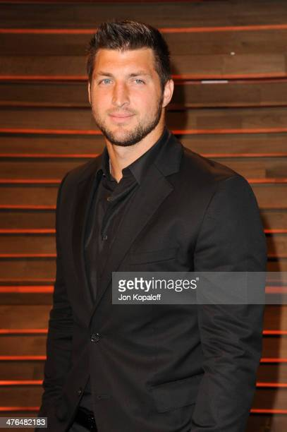 Tim Tebow attends the 2014 Vanity Fair Oscar Party hosted by Graydon Carter on March 2 2014 in West Hollywood California