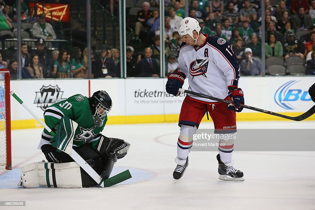 Tim Thomas #30 of the Dallas Stars at American Airlines Center on April 9, 2014 in Dallas, Texas.
