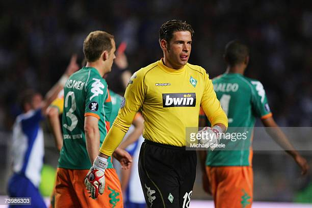 Tim Wiese goalkeeper of Werder Bremen is sent off during the UEFA Cup SemiFinal 1st Leg match between Espanyol and Werder Bremen at the Estadi...