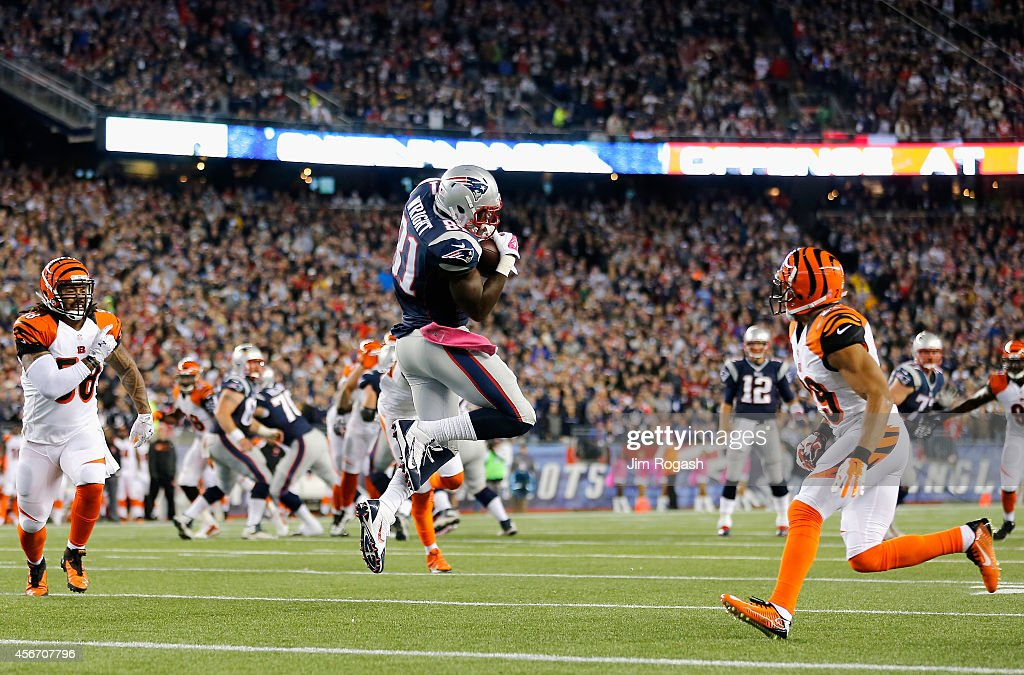 Tim Wright #81 of the New England Patriots catches a touchdown pass during the first quarter against the Cincinnati Bengals at Gillette Stadium on October 5, 2014 in Foxboro, Massachusetts.