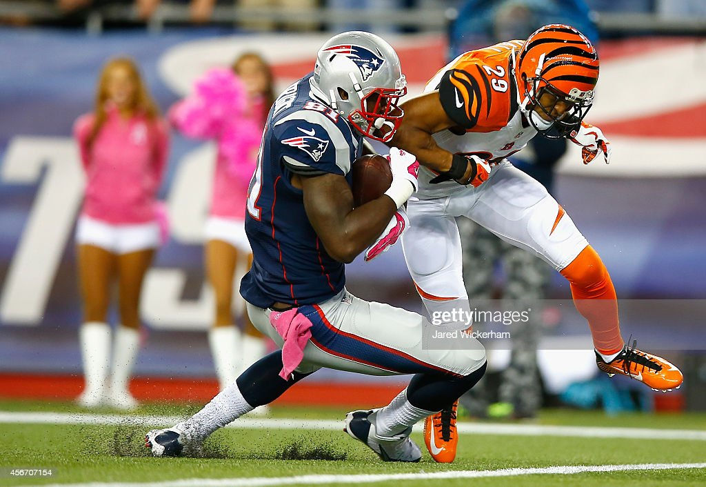 Tim Wright #81 of the New England Patriots scores a touchdown during the first quarter against the Cincinnati Bengals at Gillette Stadium on October 5, 2014 in Foxboro, Massachusetts.