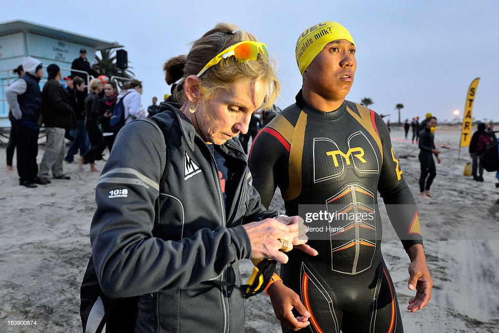 8 time Ironman World Chapionship winner Paula Newby Fraser and football legend <a gi-track='captionPersonalityLinkClicked' href=/galleries/search?phrase=Hines+Ward&family=editorial&specificpeople=202597 ng-click='$event.stopPropagation()'>Hines Ward</a> prepare for the start of the SEAL Sprint III Triathlon on March 17, 2013 in San Diego, California.