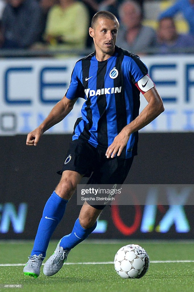 <a gi-track='captionPersonalityLinkClicked' href=/galleries/search?phrase=Timmy+Simons&family=editorial&specificpeople=794114 ng-click='$event.stopPropagation()'>Timmy Simons</a> of Brugge runs with the ball during the Jupiler league match between Sint-Truiden VV and Club Brugge at Stayen on July 24, 2015 in St Truiden, Belgium.