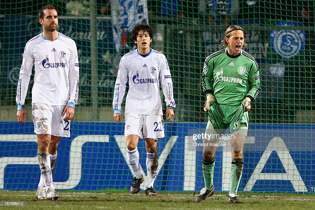 <a gi-track='captionPersonalityLinkClicked' href=/galleries/search?phrase=Timo+Hildebrand&family=editorial&specificpeople=212953 ng-click='$event.stopPropagation()'>Timo Hildebrand</a> of Schalke shouts during the UEFA Champions League group B match between Montpellier Herault SC and FC Schalke 04 at Stade de la Mosson on December 4, 2012 in Montpellier, France.