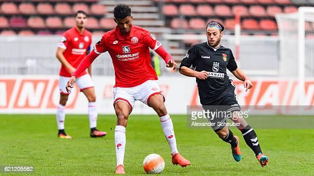 Timo Roettger of Grossaspach challenges Aaron Seydel of Mainz 05 during the Third League match between 1 FSV Mainz 05 II and SG Sonnenhof Grossaspach...