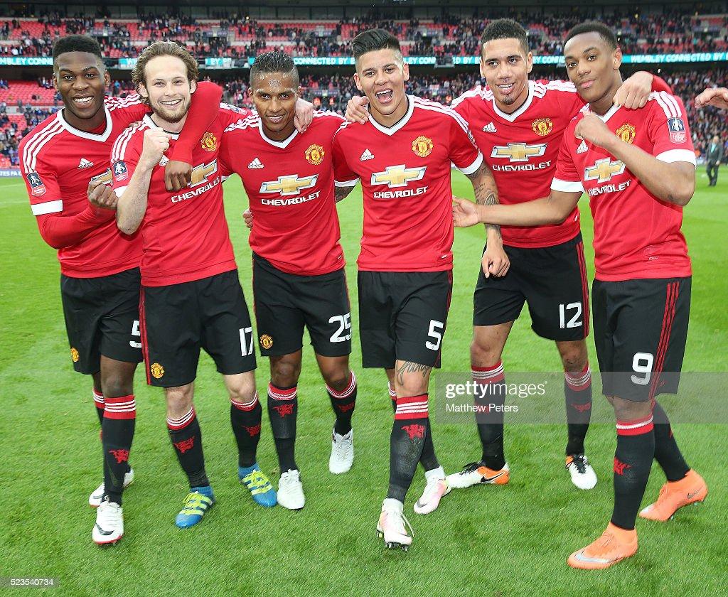 Everton v Manchester United - The Emirates FA Cup Semi Final