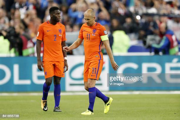 Timothy FosuMensah of Holland Arjen Robben of Holland during the FIFA World Cup 2018 qualifying match between France and Netherlands on August 31...