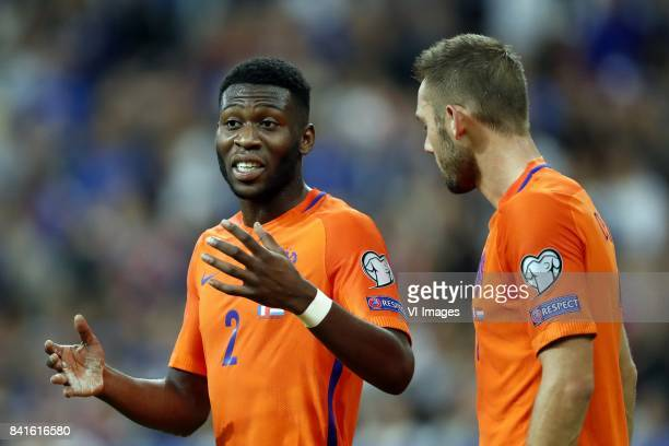 Timothy FosuMensah of Holland Stefan de Vrij of Holland during the FIFA World Cup 2018 qualifying match between France and Netherlands on August 31...