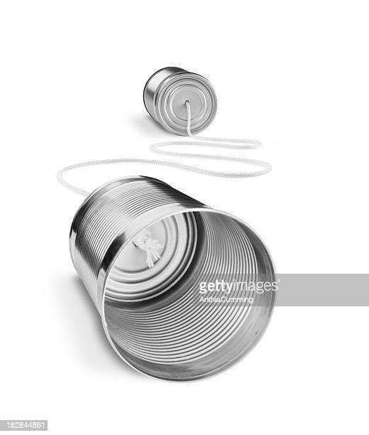 Tin können Telefon isoliert auf weißem Hintergrund