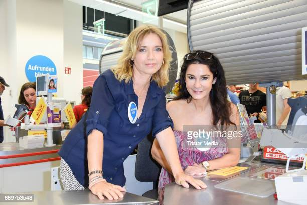 Tina Ruland Mariella Ahrens during 'Deutschland rundet auf' Charity Event in Berlin on May 29 2017 in Berlin Germany
