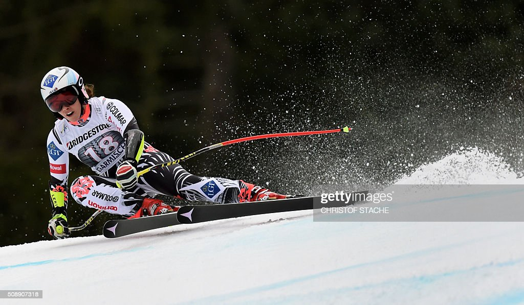 Tina Weirather from Liechtenstein races down the hill during the Ladies Super G competition race at the FIS Alpine Skiing World Cup in Garmisch-Partenkirchen, southern Germany, on February 7, 2016. Lara Gut from Switzerland won the competition, Viktoria Rebensburg from Germany placed second and Lindsey Vonn from USA placed third. / AFP / Christof STACHE