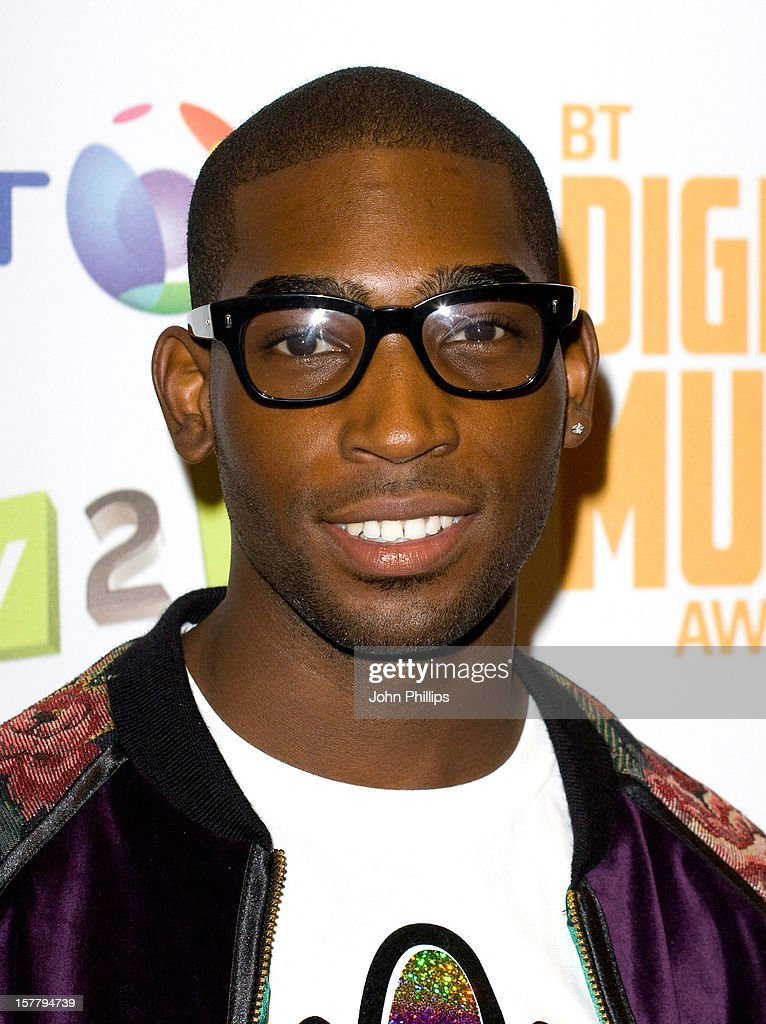 Tinie Tempah At The Bt Digital Music Awards 2010 At The Roundhouse In London.