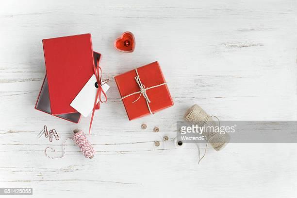 Tinkering utensils and gift box