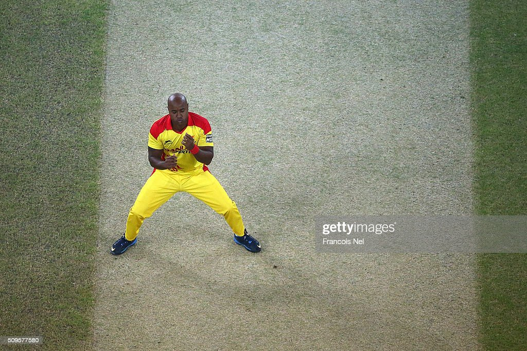 <a gi-track='captionPersonalityLinkClicked' href=/galleries/search?phrase=Tino+Best&family=editorial&specificpeople=209064 ng-click='$event.stopPropagation()'>Tino Best</a> of Sagittarius Strikers reacts during the Oxigen Masters Champions League Semi Final match between Gemini Arabians and Sagittarius Strikers at Dubai International Cricket Stadium on February 11, 2016 in Dubai, United Arab Emirates.