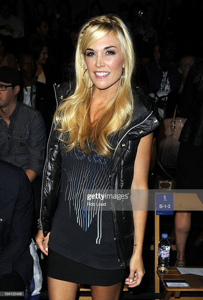 <a gi-track='captionPersonalityLinkClicked' href=/galleries/search?phrase=Tinsley+Mortimer&family=editorial&specificpeople=207123 ng-click='$event.stopPropagation()'>Tinsley Mortimer</a> attends the G-Star Spring 2011 fashion show during Mercedes-Benz Fashion Week at Pier 94 on September 14, 2010 in New York City.