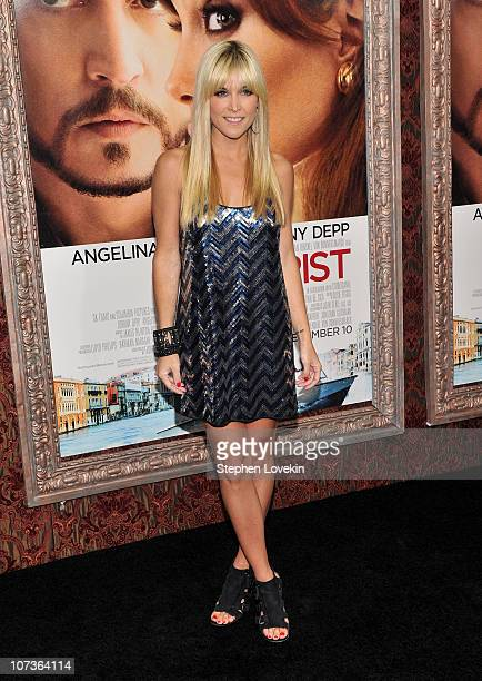 Tinsley Mortimer attends the World premiere of 'The Tourist' at Ziegfeld Theatre on December 6 2010 in New York New York