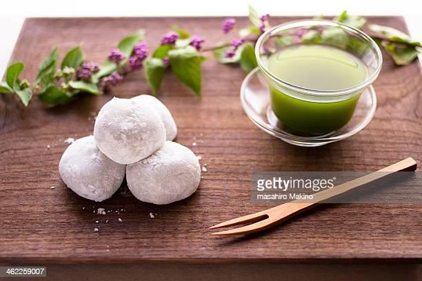 Tiny Daifuku and Green Tea