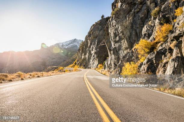Tioga Pass highway in mountain landscape, Yosemite National Park, USA