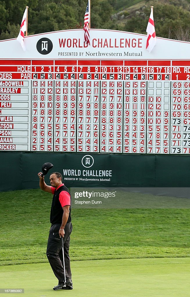 tips his cap after putting out on the 18th green during the final round of the <a gi-track='captionPersonalityLinkClicked' href=/galleries/search?phrase=Tiger+Woods&family=editorial&specificpeople=157537 ng-click='$event.stopPropagation()'>Tiger Woods</a> World Challenge Presented by Northwestern Mutual at Sherwood Country Club on December 2, 2012 in Thousand Oaks, California.