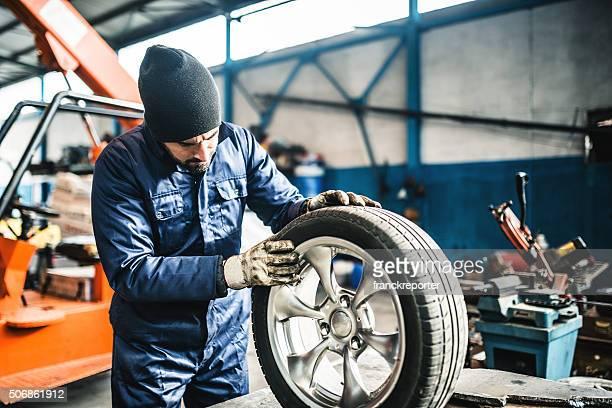 Pneumatico repairer Controllare il tire integrità