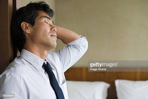 Müde Geschäftsmann
