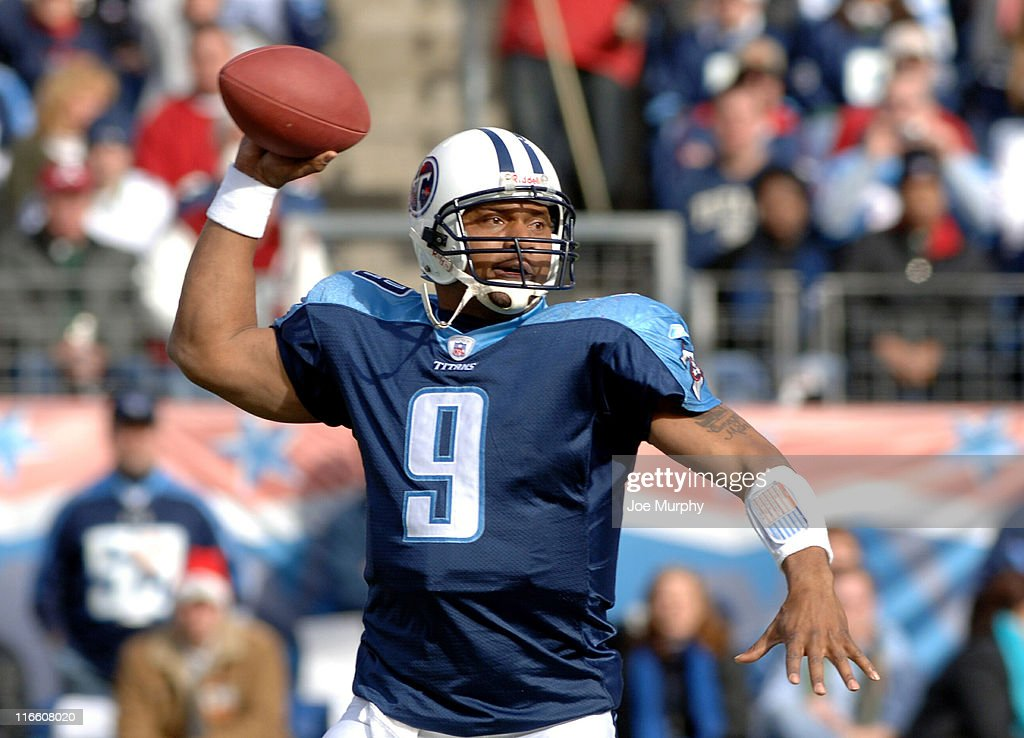 Titans Steve McNair throws downfield during first half action The Seattle Seahawks beat the Tennessee Titans 2824 at The Coliseum in Nashville TN on...