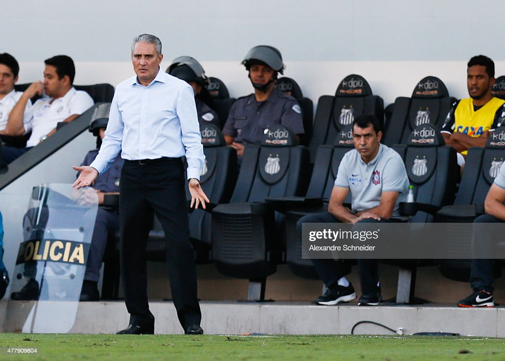 <a gi-track='captionPersonalityLinkClicked' href=/galleries/search?phrase=Tite+-+Braziliaans+voetbalcoach&family=editorial&specificpeople=10072994 ng-click='$event.stopPropagation()'>Tite</a>, coach of Corinthians in action during the match between Santos and Corinthians for the Brazilian Series A 2015 at Vila Belmiro stadium on June 20, 2015 in Santos, Brazil.