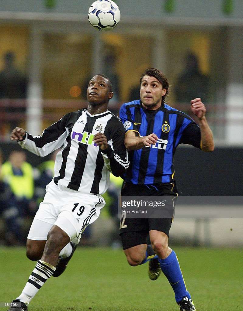 Titus Bramble of Newcastle United and Christian Vieri of Inter