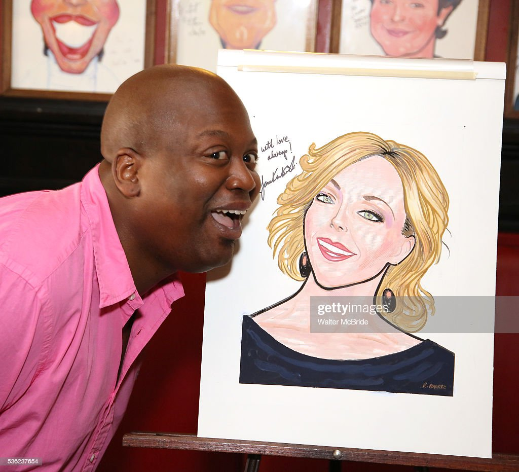 <a gi-track='captionPersonalityLinkClicked' href=/galleries/search?phrase=Tituss+Burgess&family=editorial&specificpeople=757092 ng-click='$event.stopPropagation()'>Tituss Burgess</a> attends her Sardi's portrait unveiling at Sardi's on May 31, 2016 in New York City.