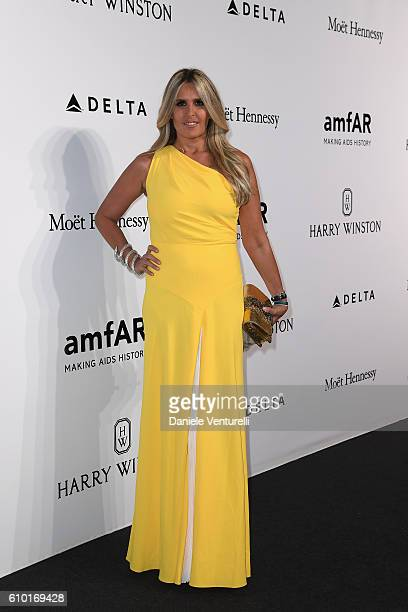 Tiziana Rocca walks the red carpet of amfAR Milano 2016 at La Permanente on September 24 2016 in Milan Italy