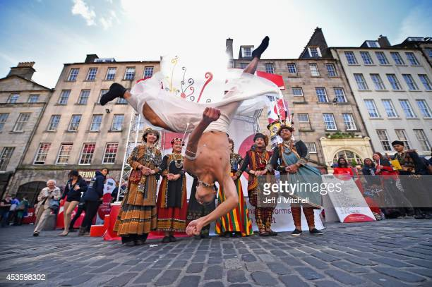 Tjimurdance theatre perform in the Edinburgh Festival Fringe on the Royal Mile on August 14 2014 in Edinburgh Scotland The largest performing arts...