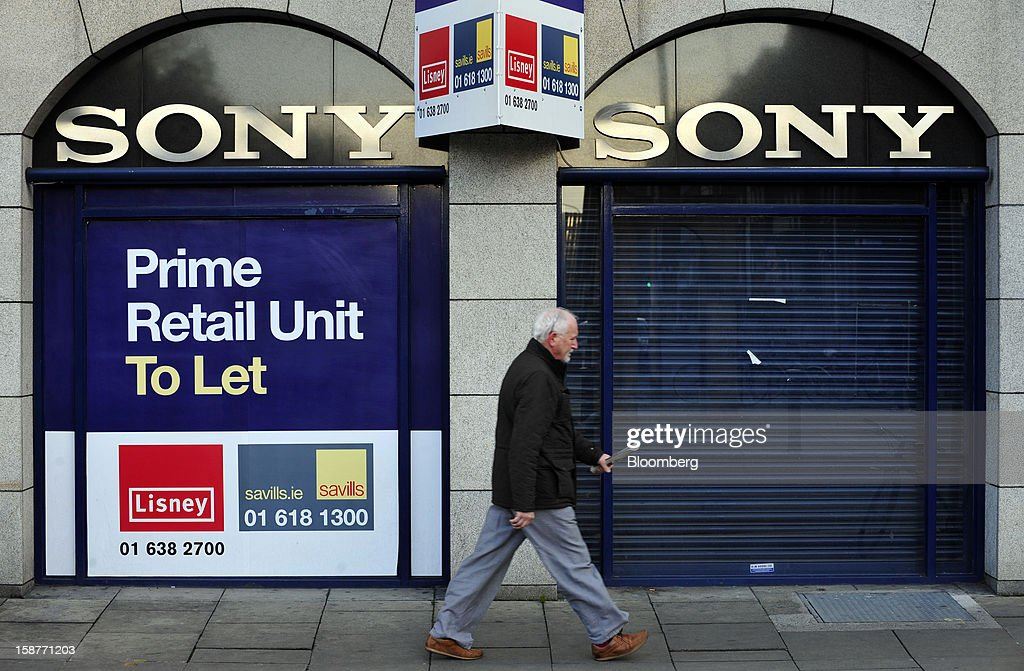 'To Let' signs sit above the shuttered entrance of a former Sony Corp. store in Dublin, Ireland, on Thursday, Dec. 27, 2012. Ireland will take over the EU presidency in January as the euro-area wrestles with putting the European Central Bank in charge of lenders within the currency union and other participating nations. Photographer: Aidan Crawley/Bloomberg via Getty Images