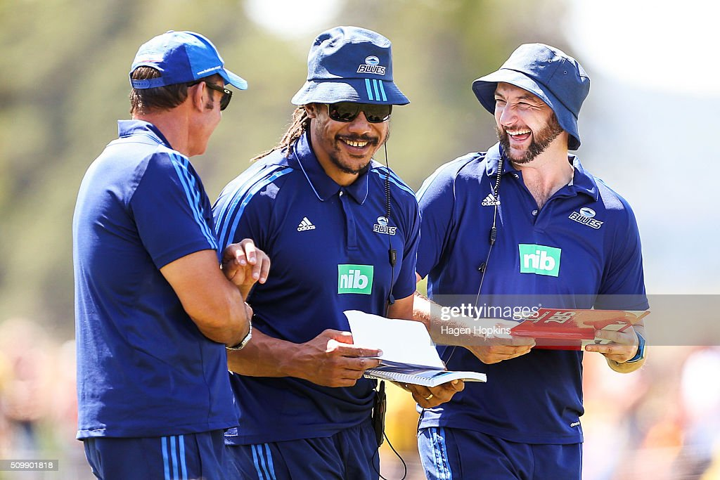 L to R, Assistant coach Glenn Moore, coach <a gi-track='captionPersonalityLinkClicked' href=/galleries/search?phrase=Tana+Umaga&family=editorial&specificpeople=203218 ng-click='$event.stopPropagation()'>Tana Umaga</a> and assistant coach Alistair Rogers of the Blues enjoy a laugh during the Super Rugby pre-season match between the Blues and the Hurricanes at Eketahuna Rugby Club on February 13, 2016 in Eketahuna, New Zealand.