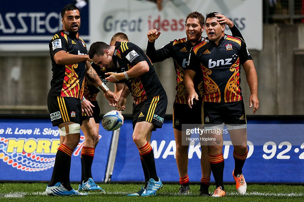 L to R, <a gi-track='captionPersonalityLinkClicked' href=/galleries/search?phrase=Liam+Messam&family=editorial&specificpeople=601526 ng-click='$event.stopPropagation()'>Liam Messam</a>, Tom Marshall, <a gi-track='captionPersonalityLinkClicked' href=/galleries/search?phrase=Tawera+Kerr-Barlow&family=editorial&specificpeople=5538648 ng-click='$event.stopPropagation()'>Tawera Kerr-Barlow</a> and <a gi-track='captionPersonalityLinkClicked' href=/galleries/search?phrase=Dwayne+Sweeney&family=editorial&specificpeople=594903 ng-click='$event.stopPropagation()'>Dwayne Sweeney</a> of the Chiefs celebrate Marshall's try during the round 13 Super Rugby match between the Chiefs and the Blues at Yarrow Stadium on May 9, 2014 in New Plymouth, New Zealand.