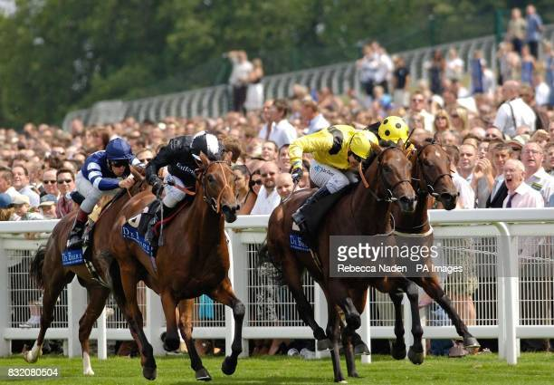 To The Max ridden by Jimmy Fortune wins The European Breeders Fund Crocker Bulteel Maiden Stakes at Ascot racecourse