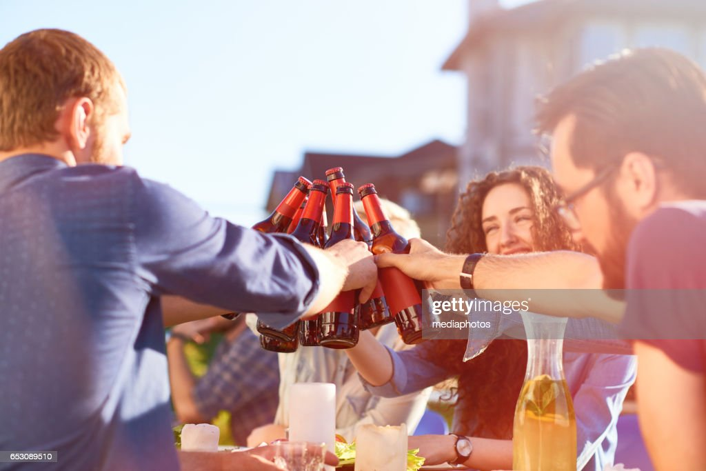 Toast to friendship : Stockfoto