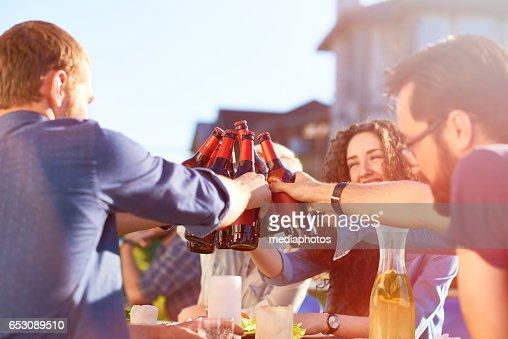 Toast to friendship : Bildbanksbilder