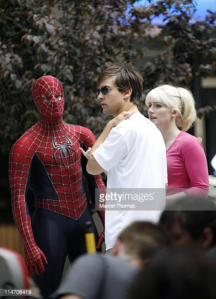 Tobey Maguire and Bryce Dallas Howard during Tobey Maguire Topher Grace James Cromwell and Bryce Dallas Howard on the Set of 'SpiderMan 3' May 28...