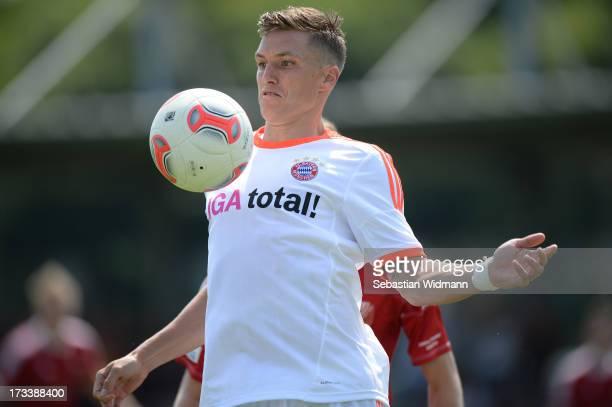 Tobias Schweinsteiger of Bayern Muenchen II plays the ball during the Regionalliga Bayern match between SV Heimstetten and Bayern Muenchen II at the...
